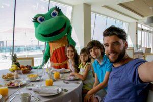 desayuno-mascotas-terra-mitica-grand-luxor-hotel